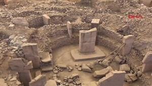 15 tapınak ve 200 dikilitaş bulundu