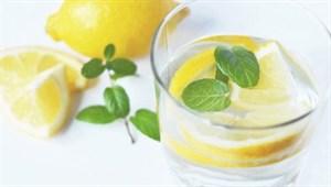 Dikkat! Sabahları içilen limonlu su meğer...