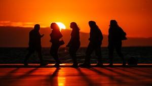 İzmir'de büyüleyen gün batımı
