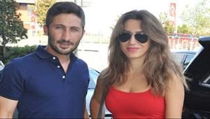 Sabri ve Yağmur Sarıoğlu çifti gecelerde...