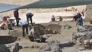 Zincirli Höyük'te Demir ve Tunç çağlarından eserler bulundu